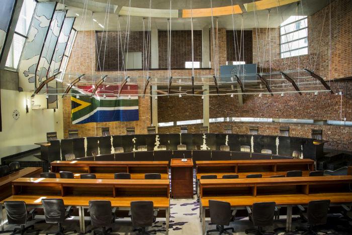 Antiga prisão de Old Fort hoje abriga a mais alta corte constitucional da África do Sul