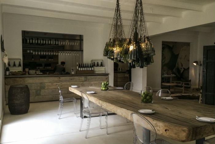Decoração sofisticada combina com a elegância dos vinhos da Maison Wine Estate