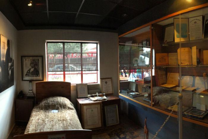 Museu Casa de Mandela guarda documentos e objetos pessoais da família