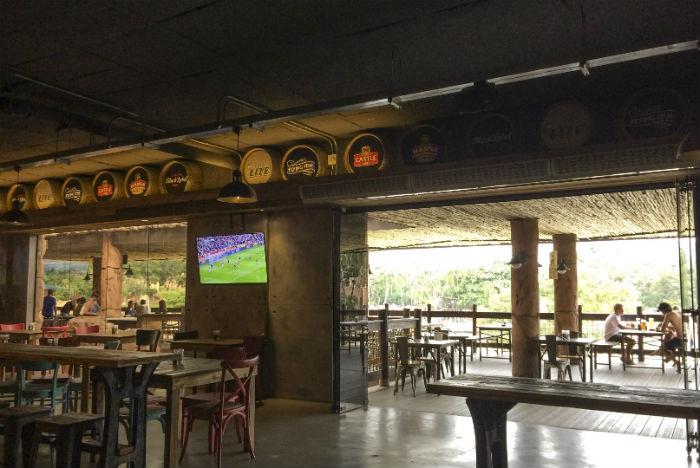Variedade de bares de Sun City agrada públicos de diferentes idades