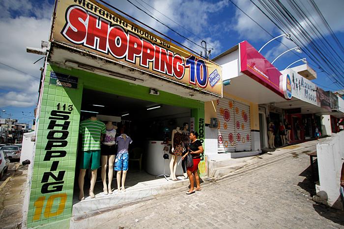 Comércio de Ipojuca sofre com efeitos da desaceleração em Suape e com aperto econômico nacional - Foto: Fernando da Hora/JC Imagem