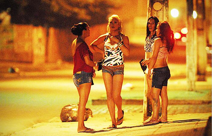 Profissionais do sexo comemoravam o crescimento da clientela - Foto: Bobby Fabisak/JC Imagem
